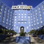 Vendita di pubblicazioni e corsi a pagamento per i non associati rendono commerciale l'attività di Scientology (nota a Cass. 29886/2017)